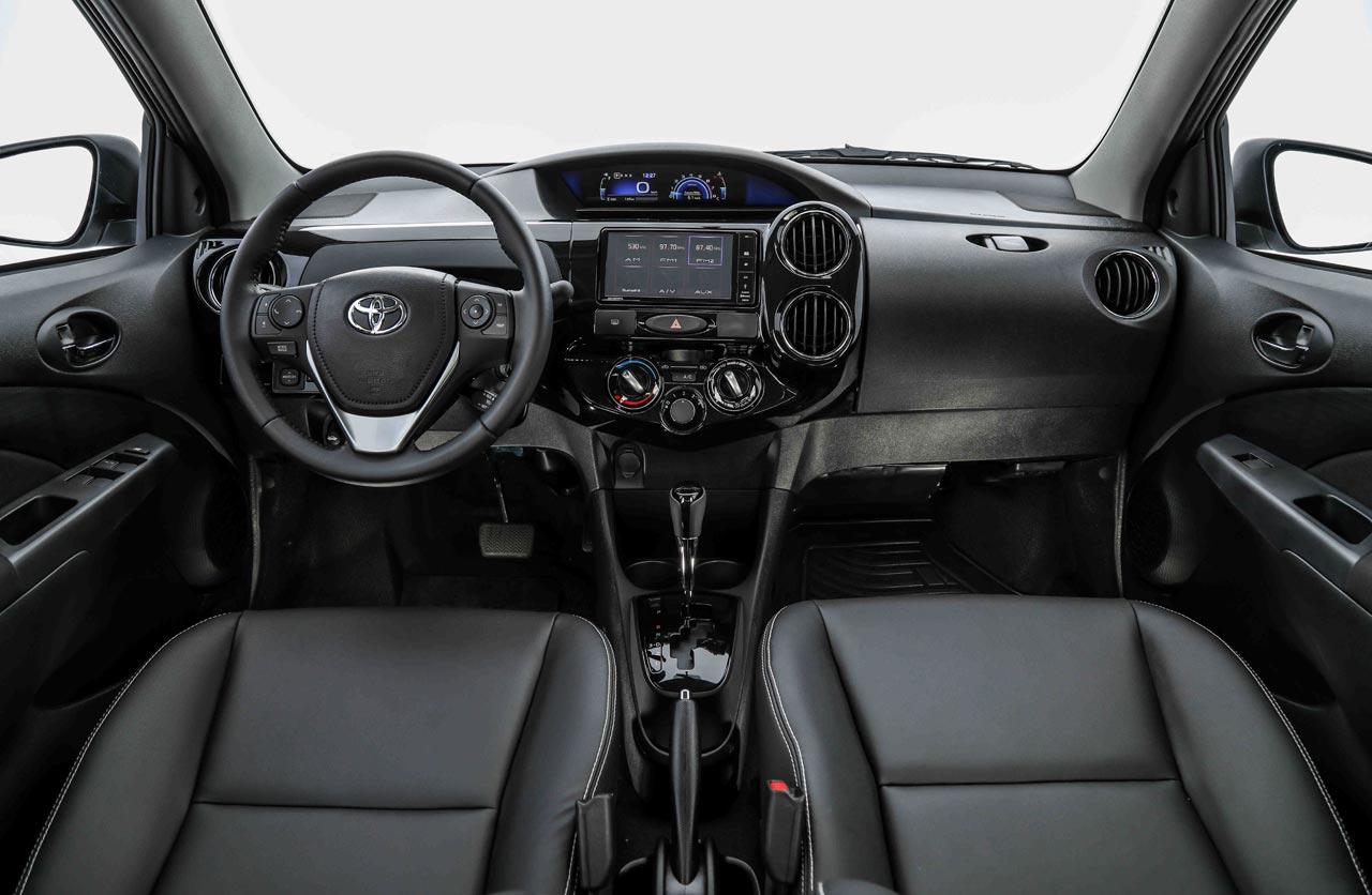 Interior Toyota Etios 2018