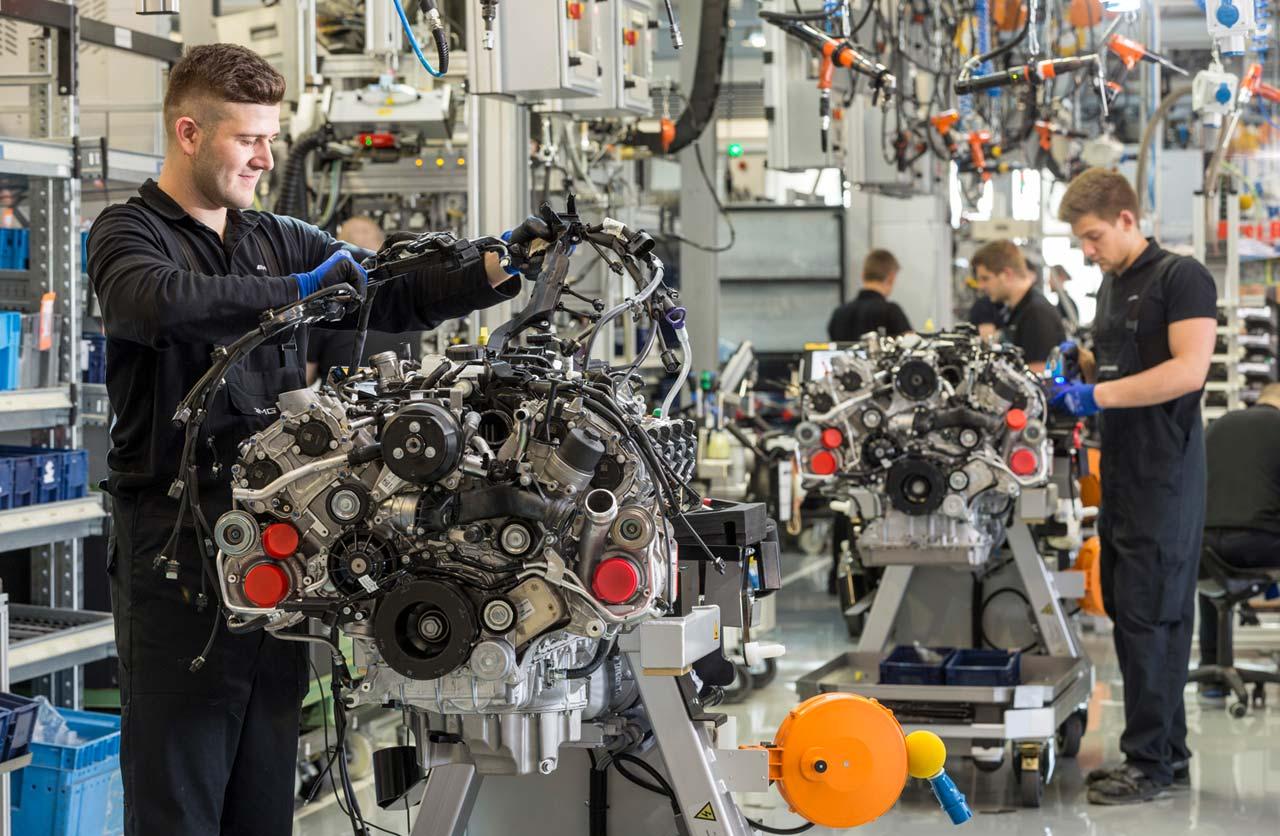 motor Mercedes-AMG V8