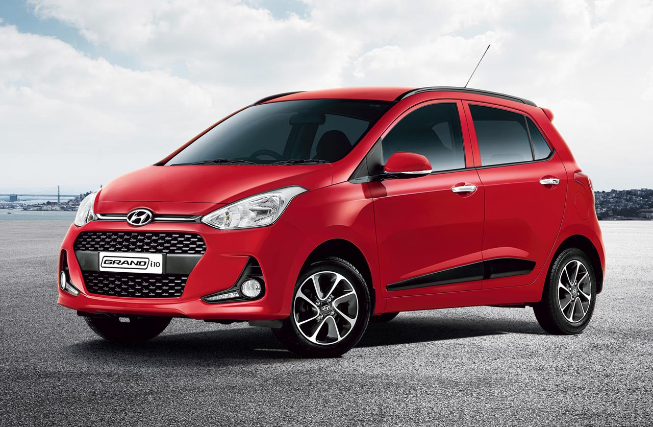 Hyundai Grand i10 Magna Diesel front-side view