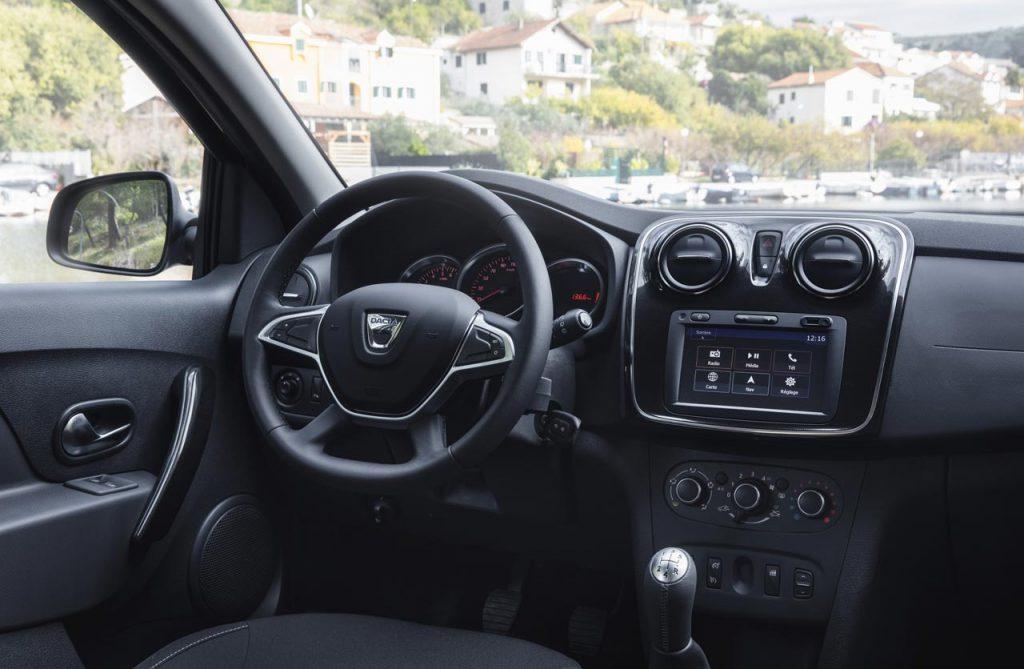 Dacia-Logan-Sandero-2017-interior - Mega Autos