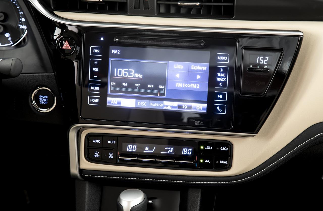 Interior Toyota Corolla 2018