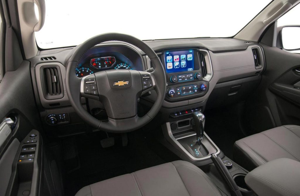 Chevrolet-S10-Flex-AT-interior - Mega Autos