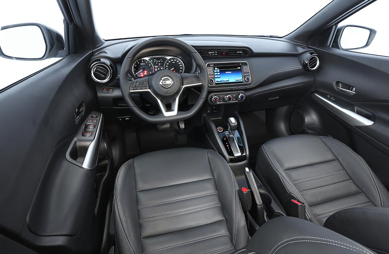 Interior Nissan Kicks brasileño