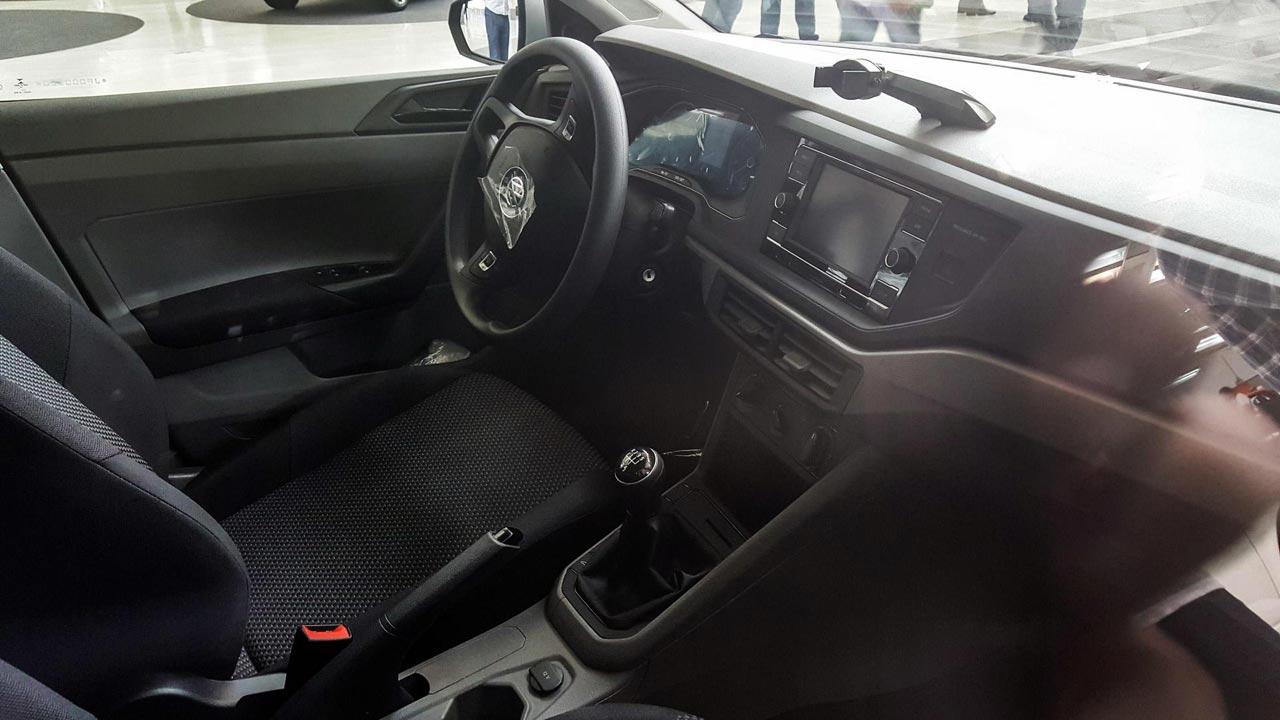 Interior VW Polo brasileño