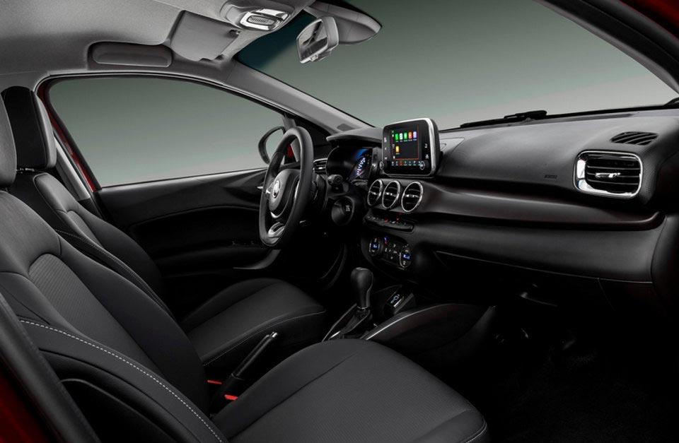 Fiat Cronos: el turno del interior