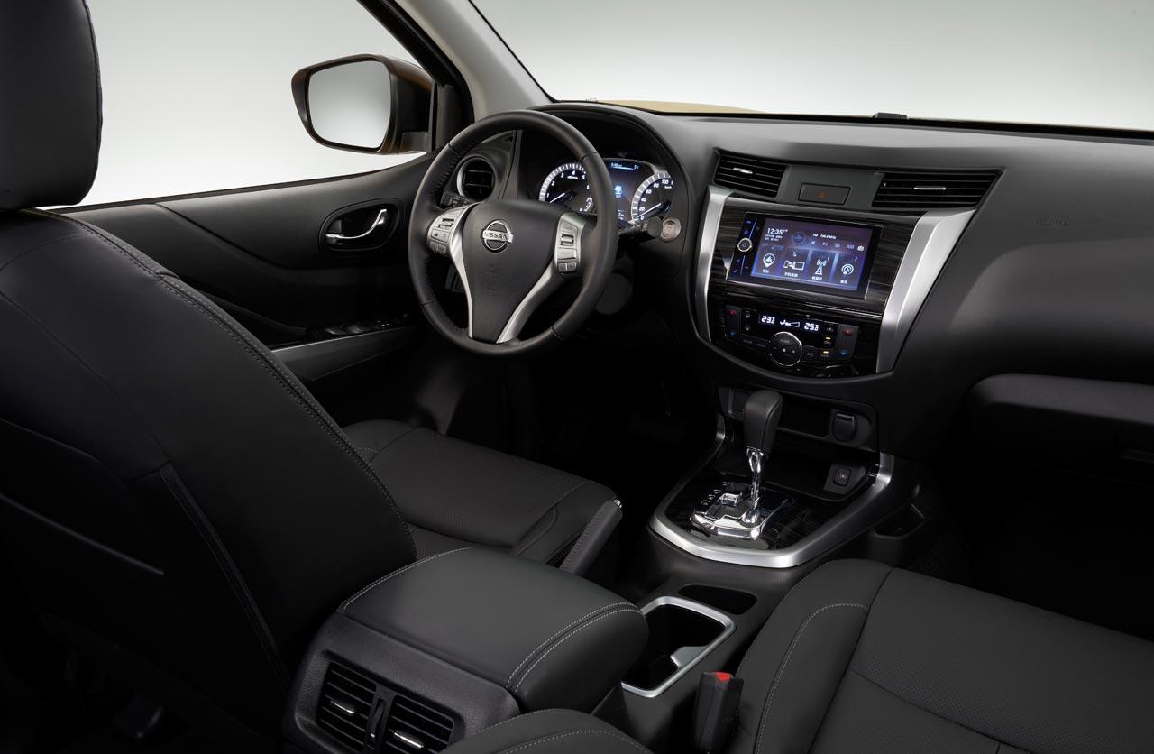 Interior Nissan Terra SUV Frontier