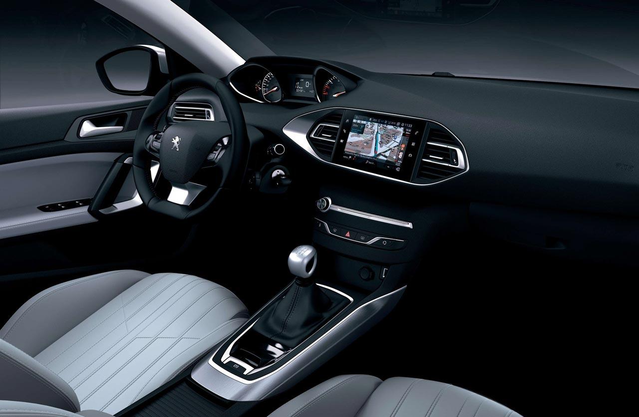 Interior Peugeot 308 francés
