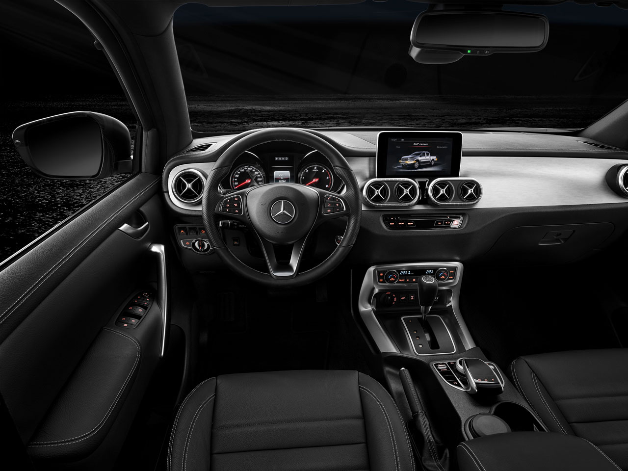Interior Mercedes-Benz Clase X V6