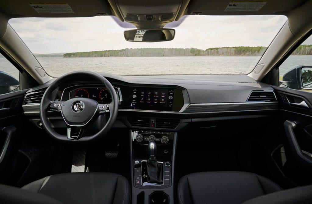 VW-Vento-Jetta-R-Line-2019-interior - Mega Autos