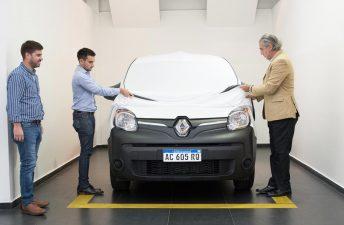 Renault entregó el primer Kangoo Z.E. que rodará en Argentina