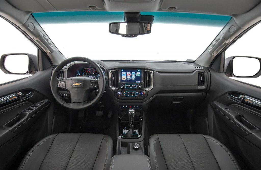 Chevrolet-S10-2019-interior - Mega Autos