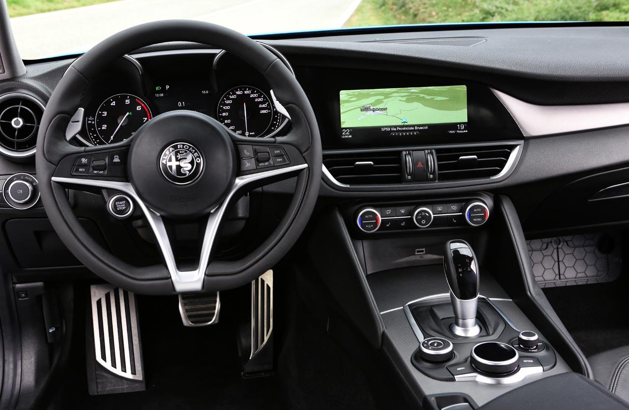 Interior Alfa Romeo Giulia Veloce