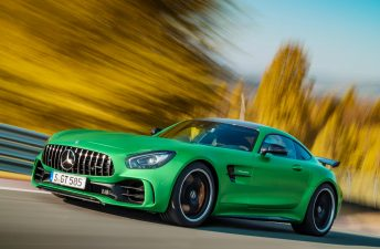 Mercedes-Benz lanzó el AMG GT R