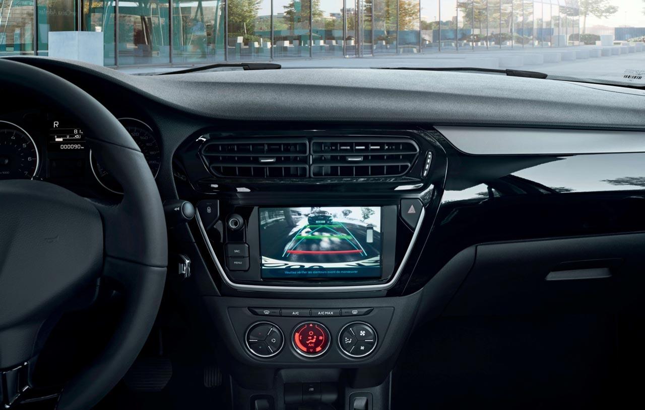 Interior Peugeot 301 Allure Plus