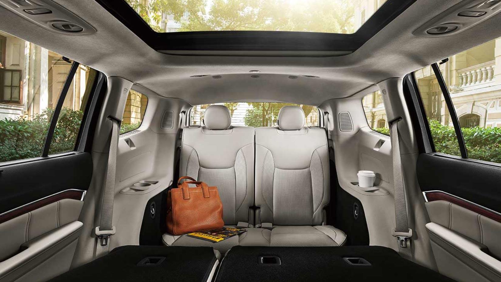 Interior SUV Jeep 7 asientos
