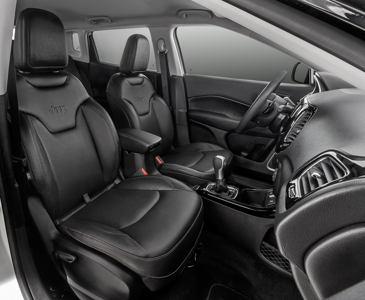 Interior Jeep Compass Longitude AT6 FWD