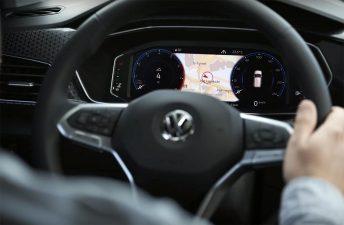 Volkswagen comienza a develar el interior del T-Cross
