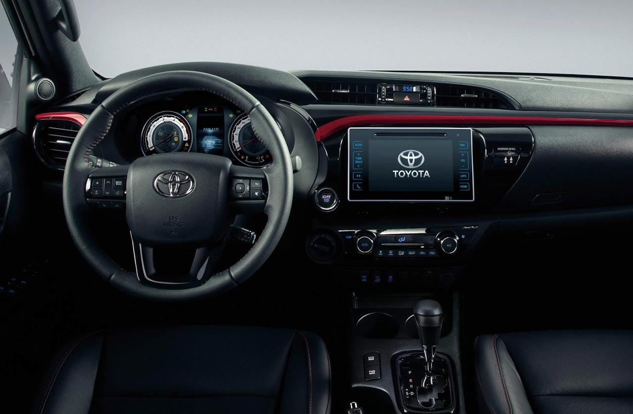 Interior Toyota Hilux GR Sport