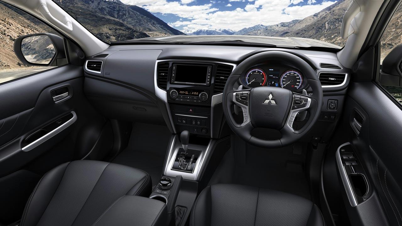 Interior Mitsubishi L200 2019