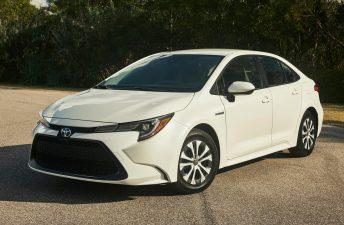 Con ustedes, el nuevo Toyota Corolla Sedán híbrido
