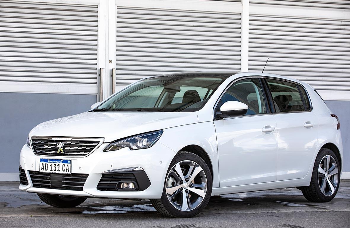 Peugeot 308, con nueva gama de importados