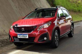 Ya está listo: el renovado Peugeot 2008 regional
