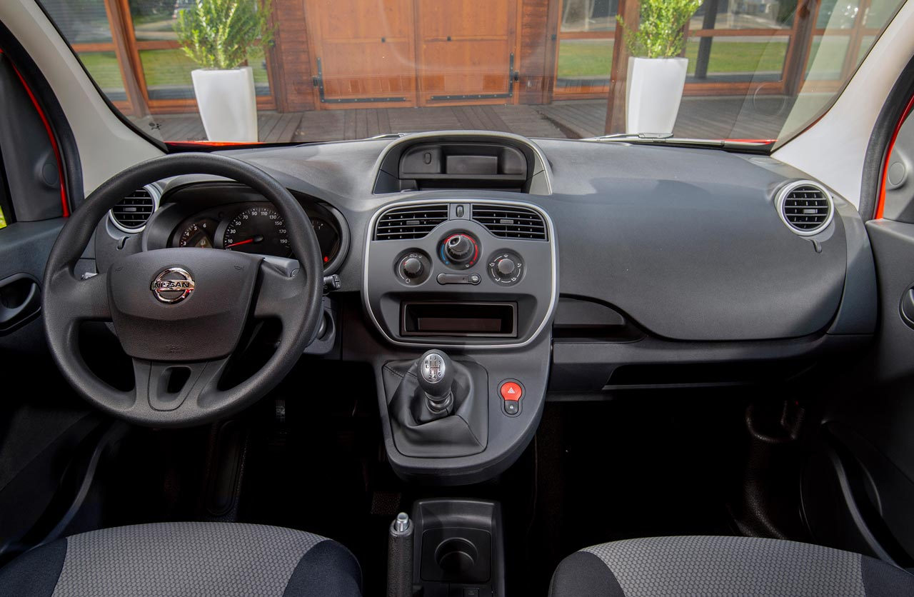 Interior Nissan NV250