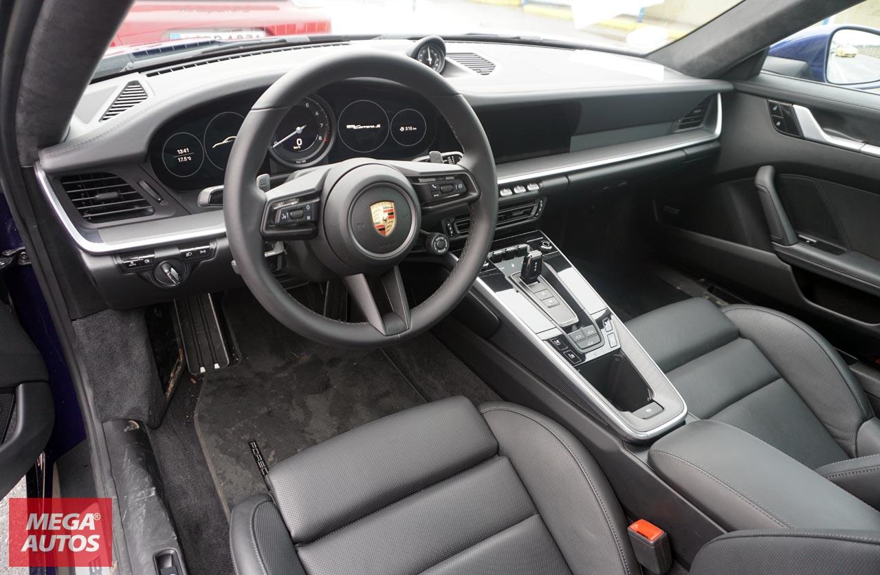 Interior Nuevo Porsche 911 (992)