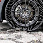 """Michelin presentó un neumático sin aire y """"anti pinchazos"""""""