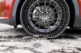 Michelin presentó un neumático sin aire y