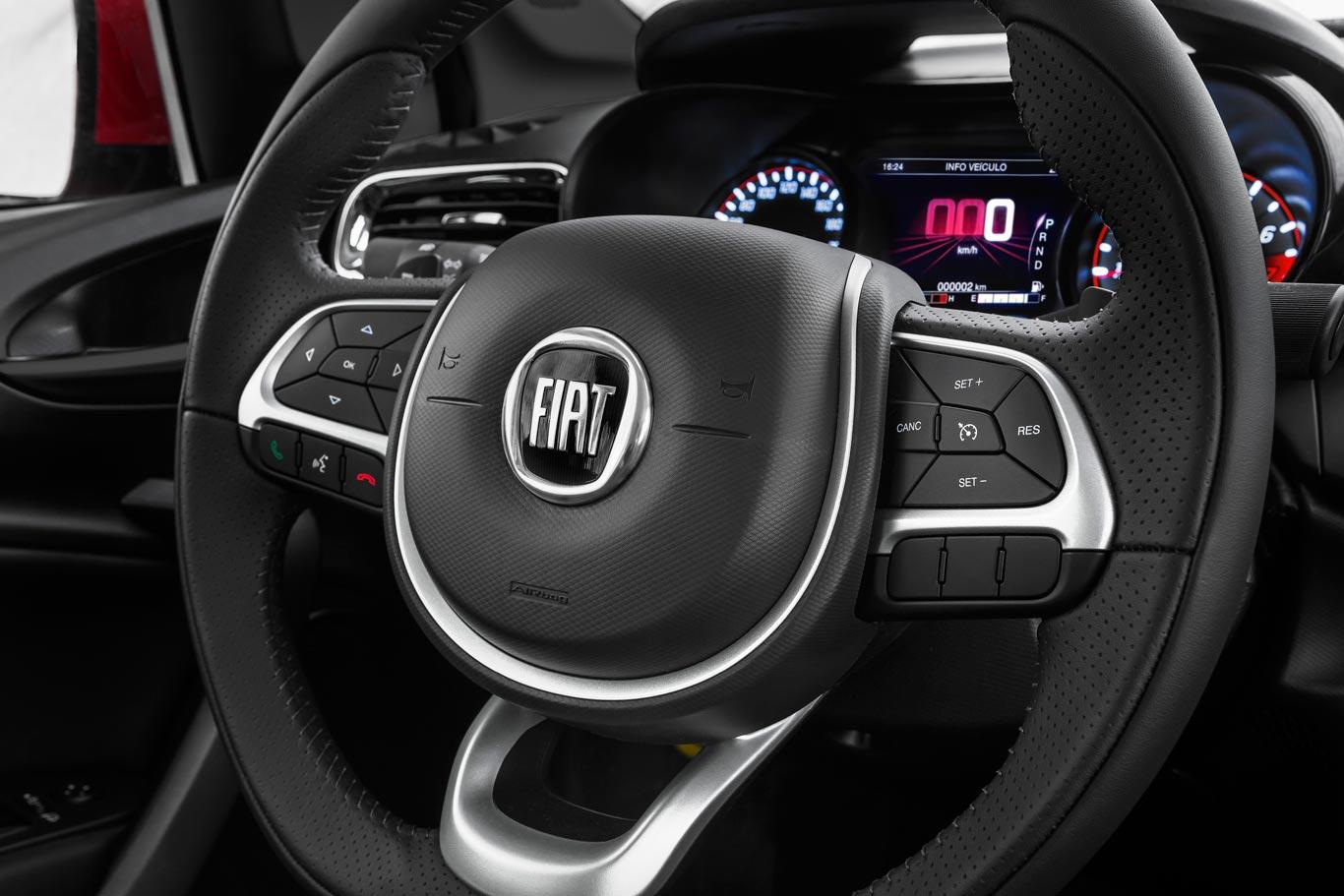 Interior Fiat Cronos HGT