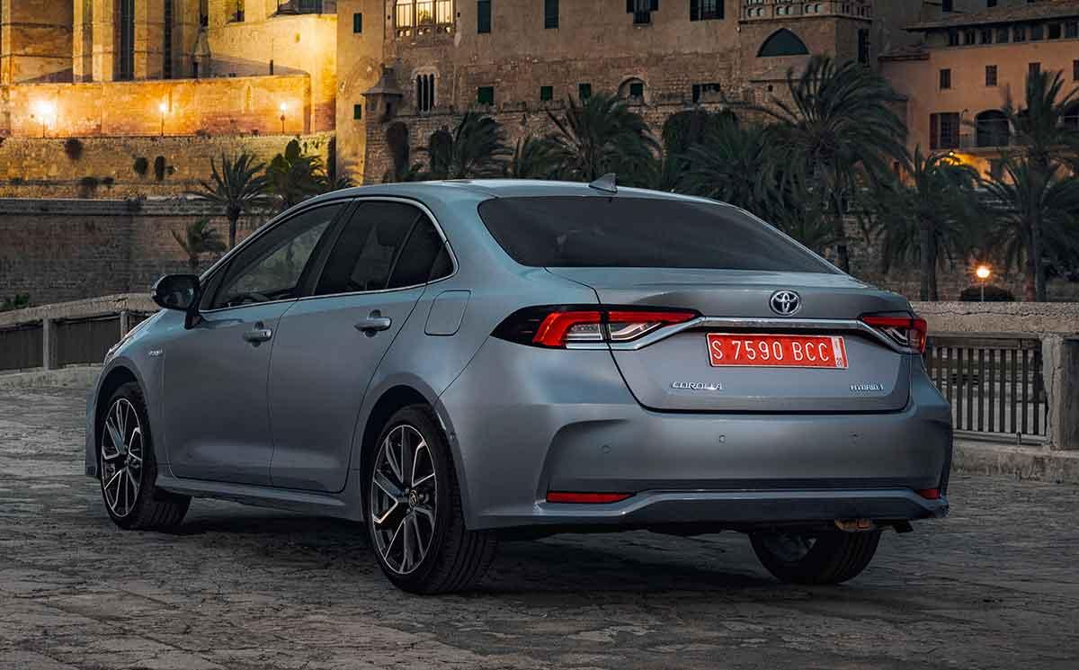 Nuevo Toyota Corolla Sedán híbrido