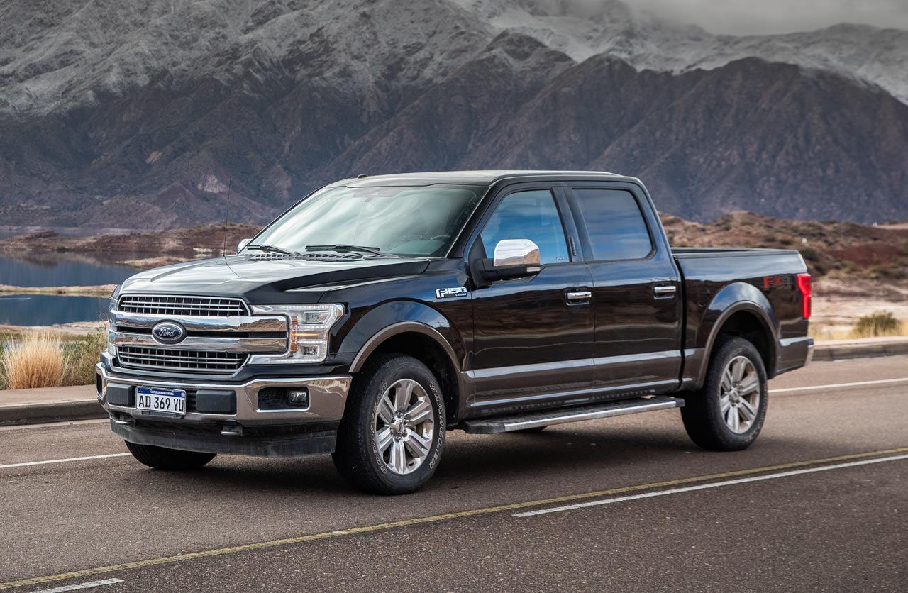 Ford F-150 Lariat Luxury V8
