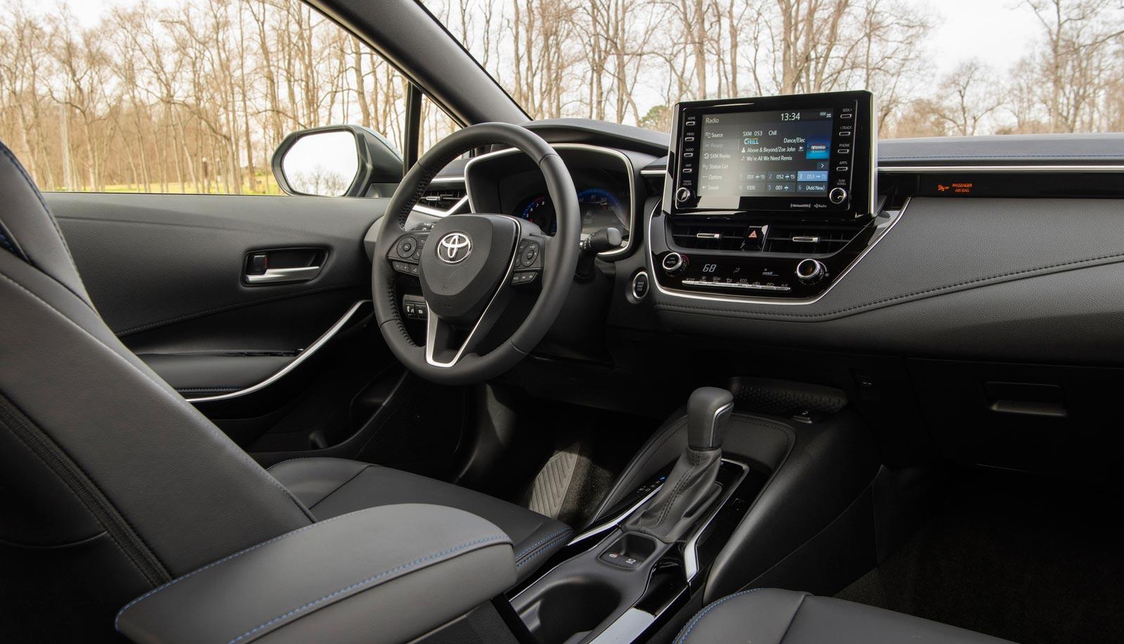 Interior Toyota Corolla XSE 2020