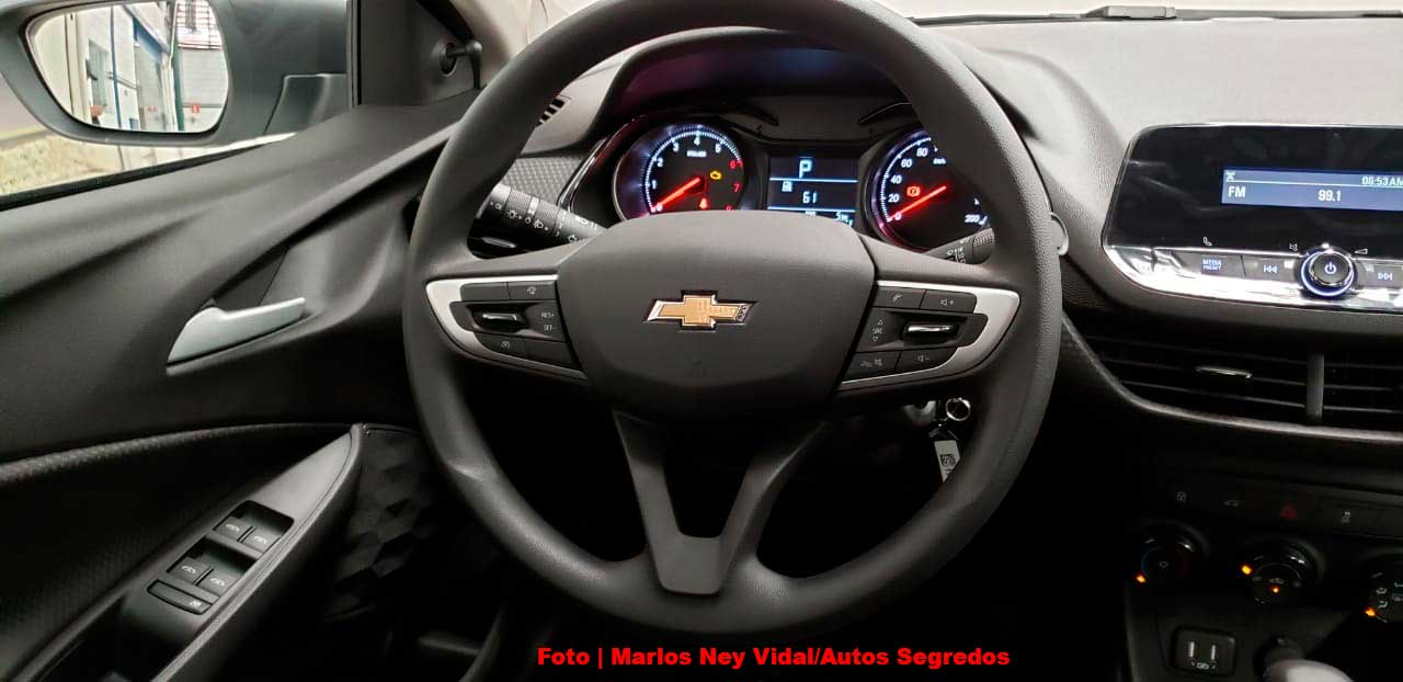 Interior Chevrolet Onix Plus base