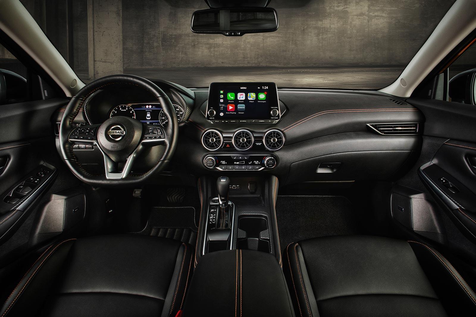 Interior Nissan Sentra 2020