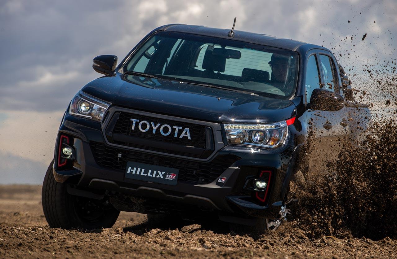 GR-Sport II: hay una Toyota Hilux V6