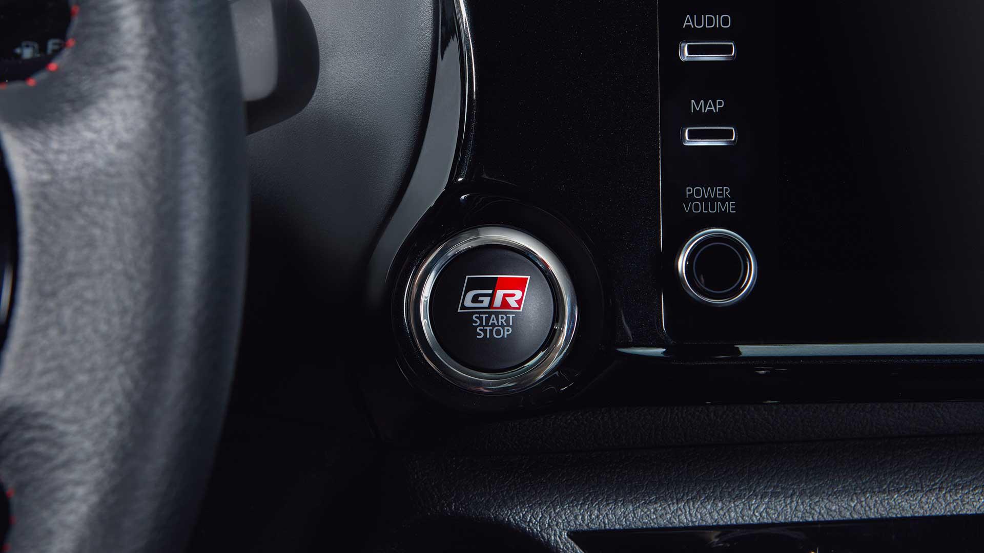 Interior Toyota Hilux GR-Sport II V6