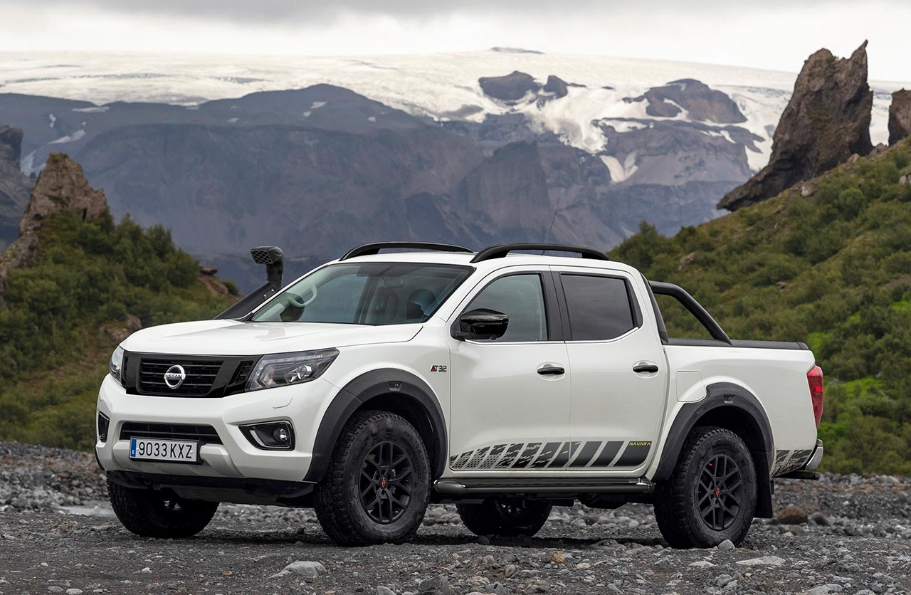 Nissan Frontier Navara Off-Roader AT32