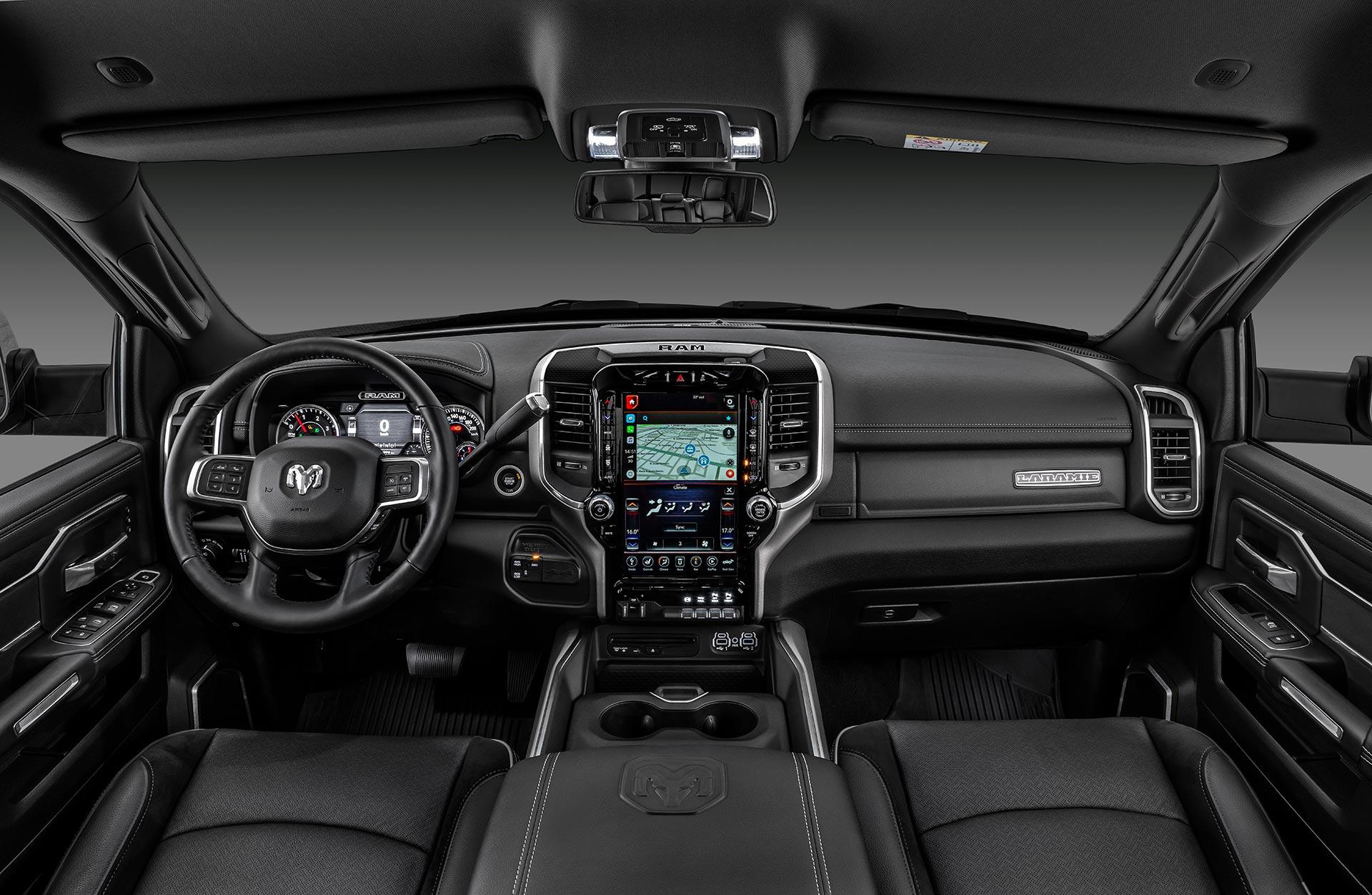 Interior RAM 2500 Night Edition