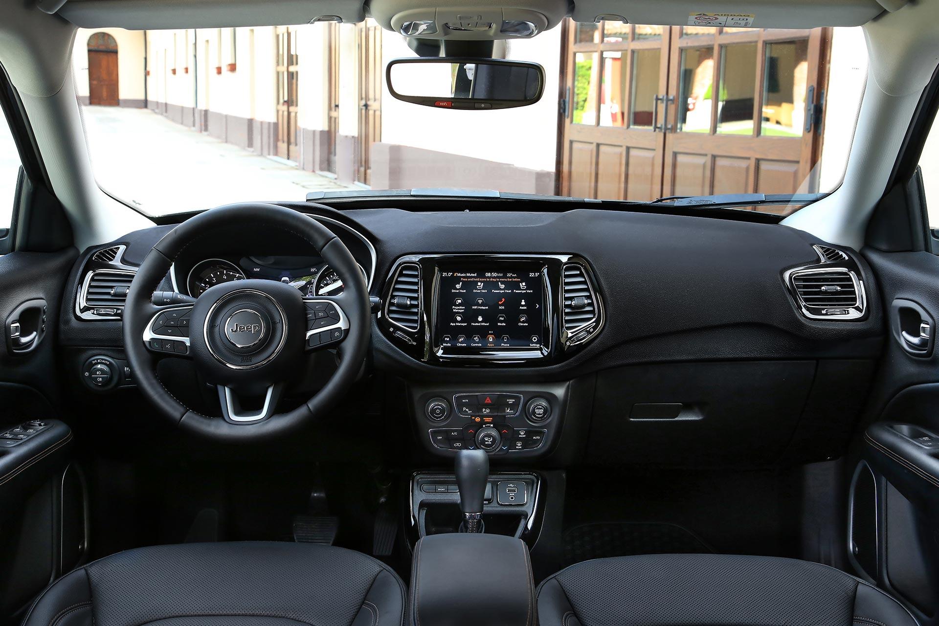 Interior Jeep Compass motor turbo