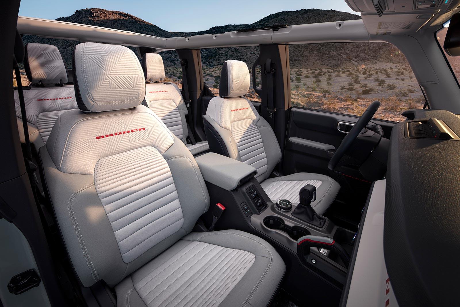 Bronco 4 puertas interior