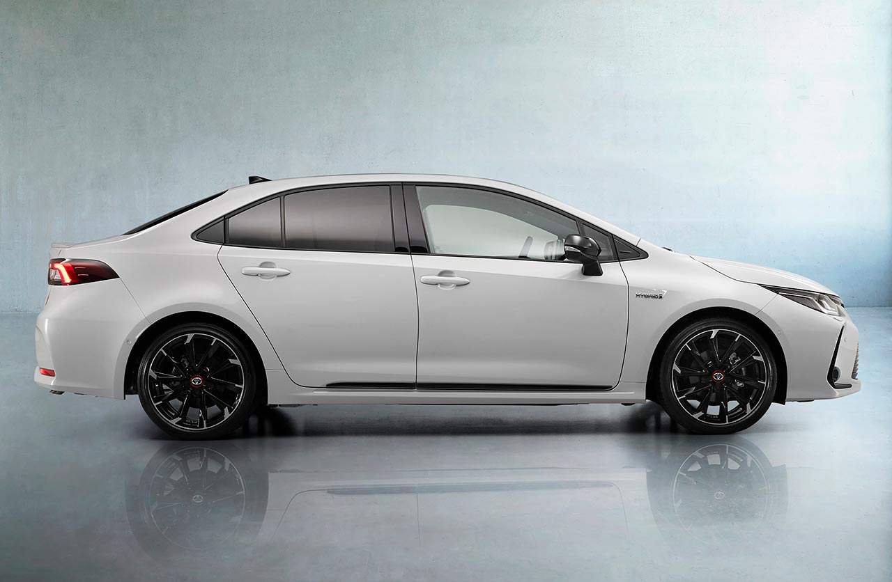 Toyota Corolla GR Sport sedán Europa
