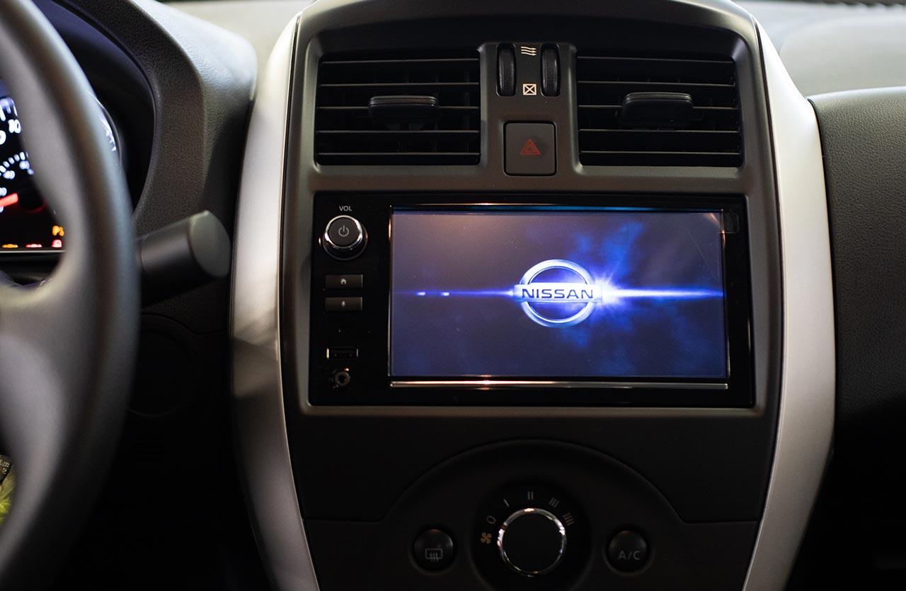 Interior Nissan Versa V-Drive
