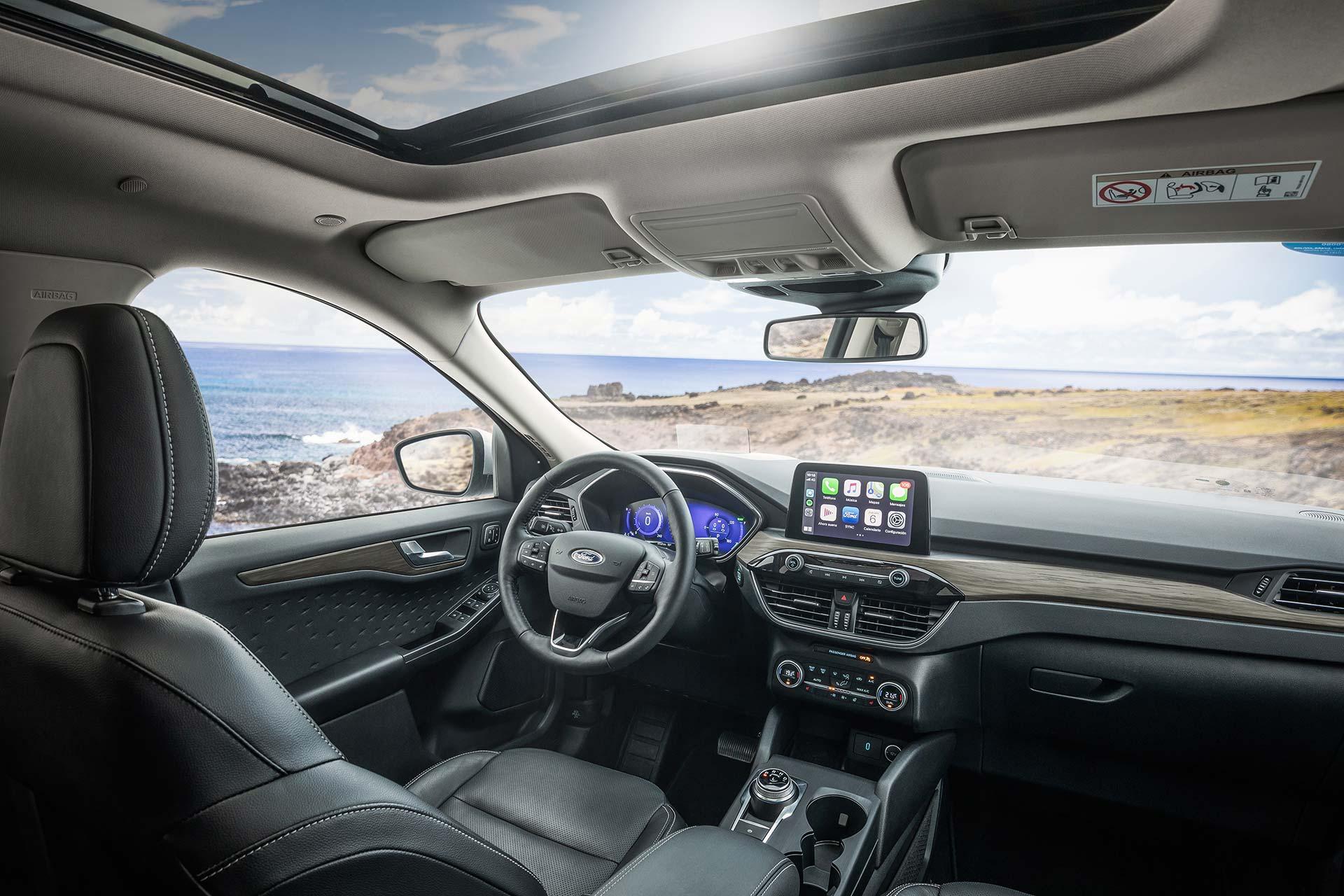 Interior Nueva Ford Kuga Titanium