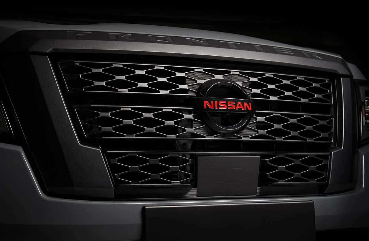Parrilla Nueva Nissan Frontier Pro-4X 2021