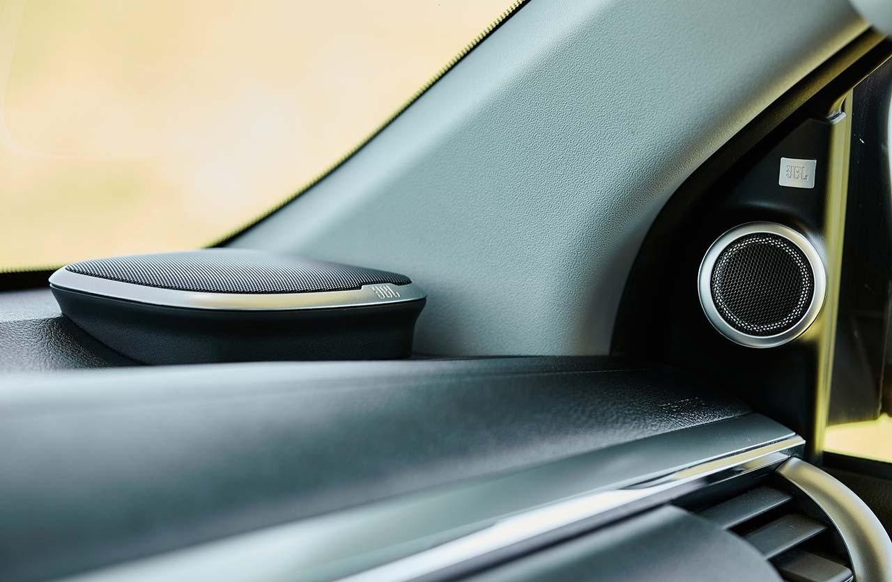 Parlantes JBL Nueva Toyota Hilux 2021