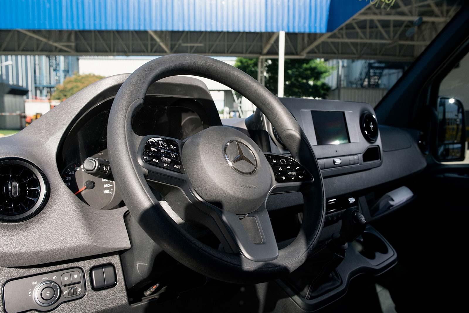 Interior Mercedes-Benz Sprinter Furgón Mixto 3,5 toneladas