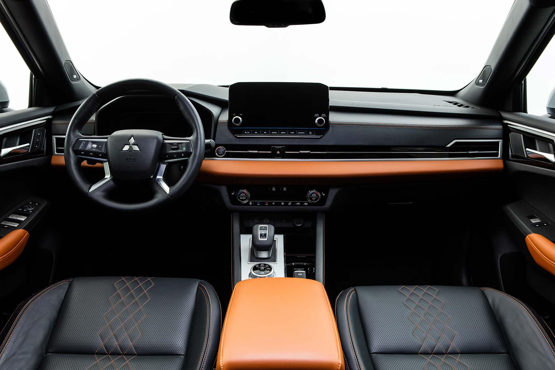 Interior nuevo Mitsubishi Outlander 2022