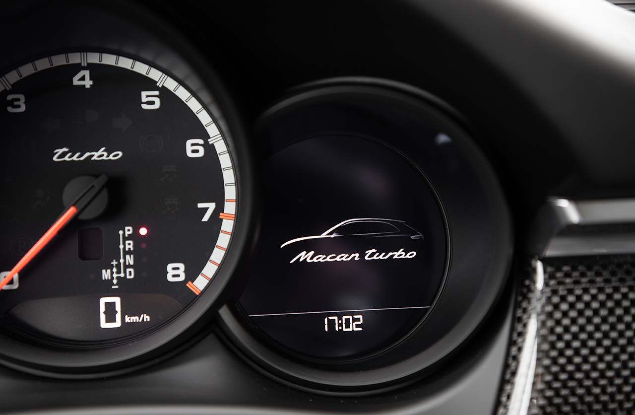 Interior Porsche Macan Turbo 2021